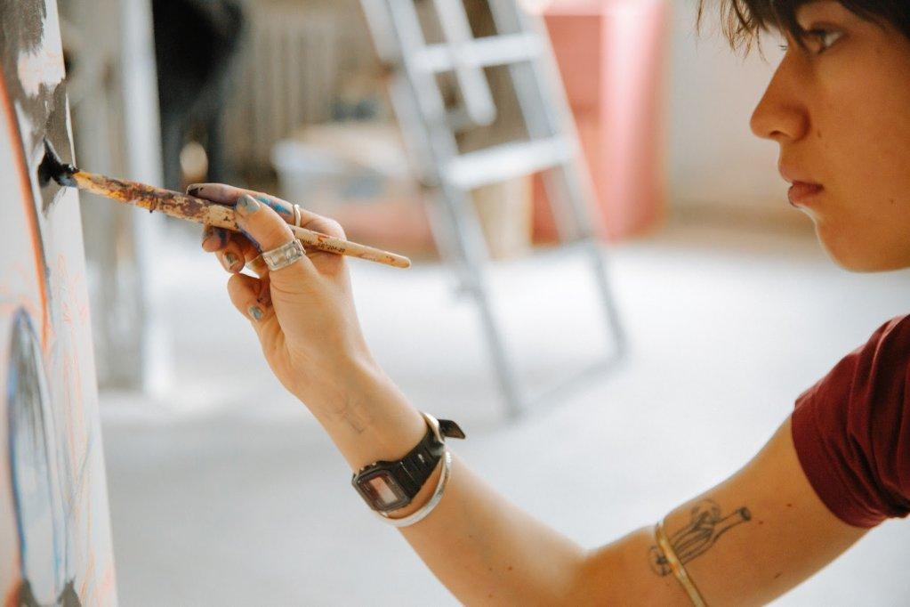 7 motive ca sa te inscrii acum la un curs de pictura