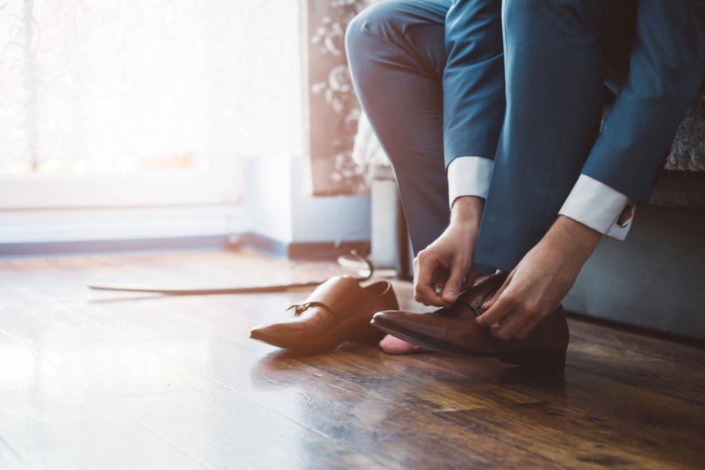 Cum isi protejeaza BARBATII picioarele de bacterii si ciuperci? Afla lucruri pe care NU le stiai!