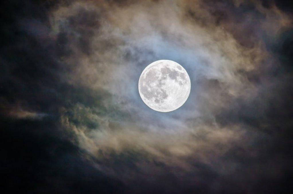 Luna plină - te ajută să evoluezi și să îți găsești echilibrul
