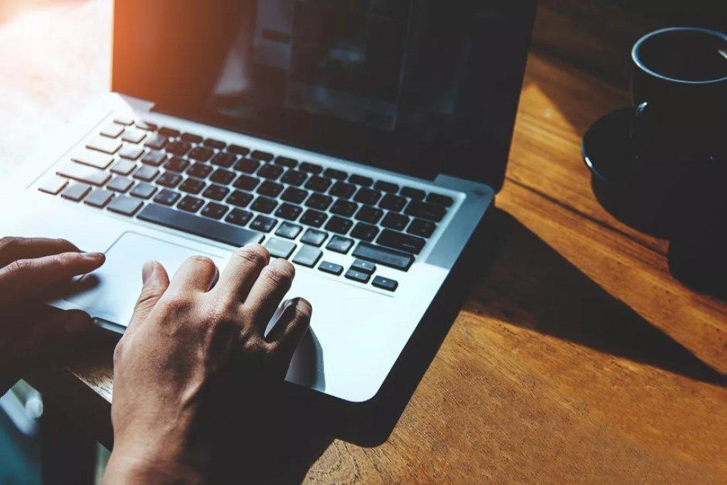 Cum sa-ti deschizi propria companie de web hosting