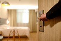 Accesorii pentru uși: ce trebuie să știi înainte să cumperi