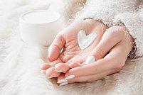 Cum să ai grijă de mâinile tale în 8 pași simpli