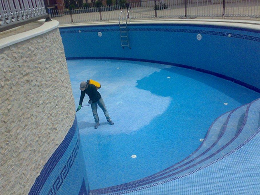 Facilitati impermeabilizarea piscinei cu hidroizolatii piscine durabile si sigure!