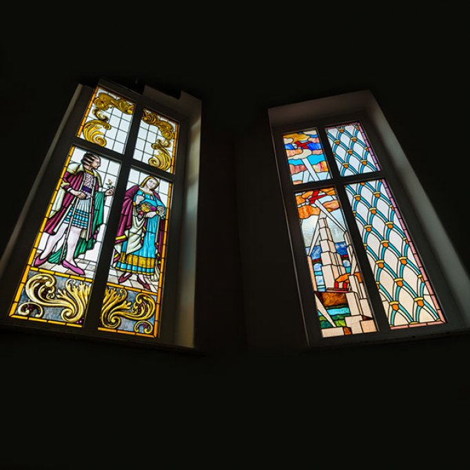Idei moderne de decorare a locuintei cu vitralii
