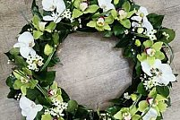 Florile si coroanele funerare - onoreaza memoria celor trecuti in nefiinta