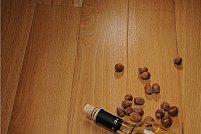 Parchet masiv din lemn de stejar fara noduri, cu imbinare click.