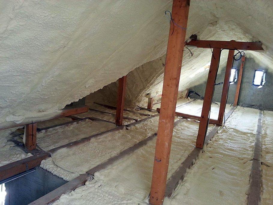 Izolaţiile cu spumă poliuretanică fac diferenţa în construcţii