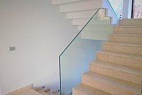Sfaturi despre cum să întrețineți balustradele de sticlă