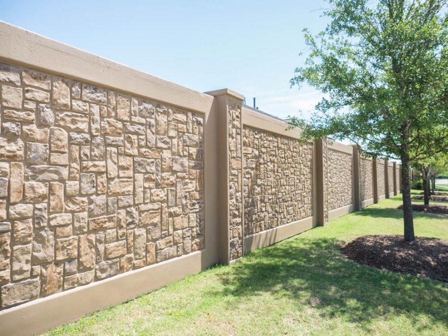 Sunt gardurile din beton o optiune excelenta pentru locuintele moderne?